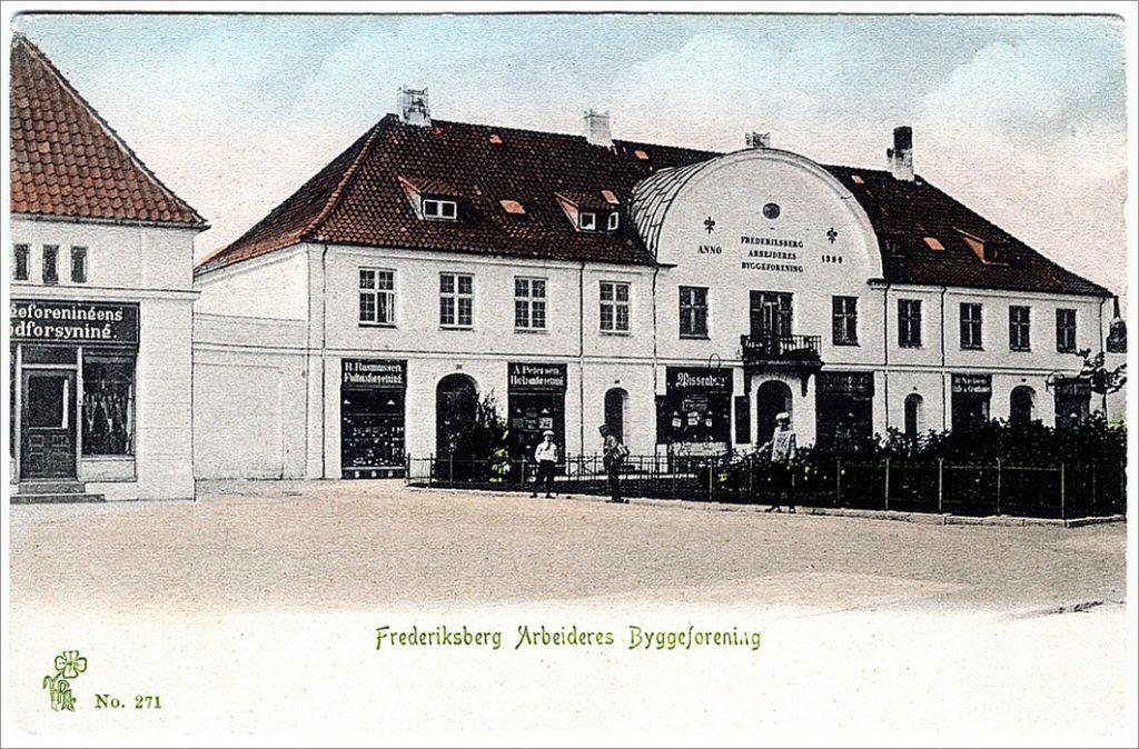 "Forretningsbygningen ""Buen"" 1905 - Postkort: Peter Alstrup"